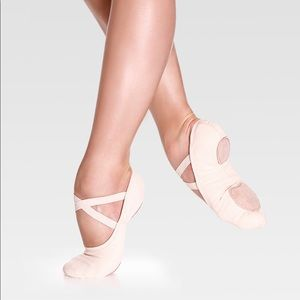 Other - Girls So Danca canvas pink ballet shoes